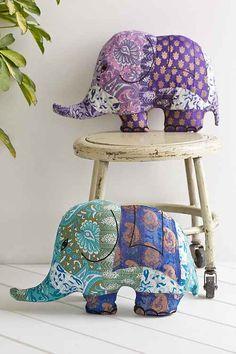 Indian Elephant Decor Inspiration Boho Room Decor Ideas Bohemian Home Decor Id Elephant India, Elephant Room, Elephant Wall Decor, Elephant Pillow, Baby Girl Elephant, Indian Elephant, Indian Room, Magical Thinking, Patchwork Pillow