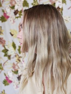 blonde ombre hair, i sort of have this but a straw color on top and a strawberry blonde collor on bottom