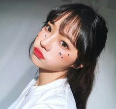 ulzzang girl girls woman women aesthetic korean japanese chinese beauty pretty beautiful lifestyle ethereal beauty girls east asian minimalistic grunge soft pastel light cute adorable 울짱 여자 r o s i e Mode Ulzzang, Ulzzang Korean Girl, Cute Korean Girl, Asian Girl, Cute Makeup, Makeup Looks, Makeup Style, Korean Beauty, Asian Beauty