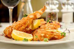 Jogurtové kuracie prsia v orechovom obale - recept | Varecha.sk Shrimp, Meat, Chicken, Food, Essen, Meals, Yemek, Eten, Cubs