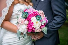 I could fill this whole comment box with just two words: gorgeous and stunning! This bridal bouquet @stroudsmoorcountryinn was just amazing!  Stroudsmoor Country Inn wedding Poconos PA by Maggie J Photography
