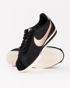 new product 7b73b b6956 Sneakers pour femme de marque nike . Collection automne   hiver 2016 vendue  par Shop Majestic