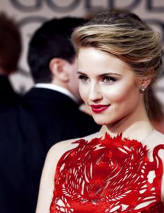Dianna Agron. A stunning red lip with contoured cheeks!