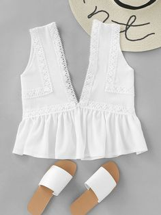 Crop Peplum Decorated with Contrast Lace, Ruffle Hem. Designed with Deep V Neck. Regular fit. Plain design. Trend of Summer-2018. Designed in White. Fabric has no stretch.