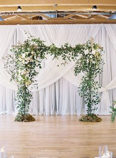 Greenery is the Color of the Year for 2017!It's no wonder greenery is the Pantone color of the year!  Brides are wanting a natural and organic look for th