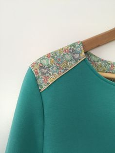 Sweat Original, Floral Tie, Your Design, Liberty, Pattern Design, Sewing Projects, Casual Dresses, Costumes, Sweatshirts