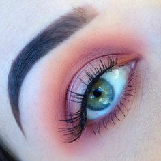 """ Shadows: palette, ""bitten"" by Brows: Dipbrow in ""Chocolate"" Lashes: ""so natural""…"" Makeup Goals, Makeup Inspo, Makeup Inspiration, Makeup Tips, Beauty Makeup, Makeup Ideas, Pink Eye Makeup Looks, Fall Makeup Looks, Eyeshadow Looks"