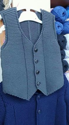 Easy and very stylish harem knitted vest Mukerrem Mete Baby Knitting Patterns, Knitting Designs, Baby Pullover, Baby Cardigan, Crochet For Boys, Knitting For Kids, Baby Boy Vest, Pull Bebe, Knit Vest