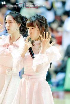 Snsd - Kim Taeyeon Taeng Taengoo Kidleader #cute #oldpic