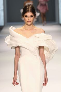Ralph and Russo SS15 couture collection