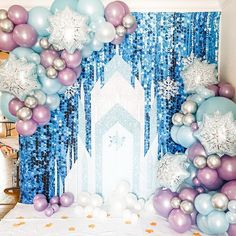 Frozen Themed Birthday Cake, Candy Theme Birthday Party, Frozen Theme Party, 2nd Birthday Parties, Frozen Party Decorations, Birthday Balloon Decorations, Birthday Balloons, Disney Frozen Party, Rose