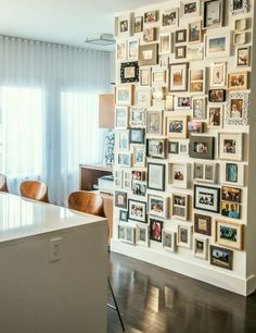 Marda Project - contemporary - kitchen - calgary - Alykhan Velji Design Now THIS is a gallery wall! Decoration Photo, Frame Decoration, Display Family Photos, Displaying Photos On Wall, Diy Home Decor, Room Decor, Family Wall, Home And Deco, Frames On Wall