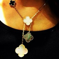Van Cleef and Arpels Alhambra necklace, Van Cleef And Arpels Jewelry, Van Cleef Arpels, Ring Necklace, Pendant Necklace, Jewelry Rings, Fine Jewelry, Royal Jewels, Fantasy Jewelry, Necklace Designs