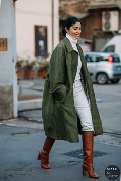 Milan FW 2018 Street Style: Caroline Issa - From Parts Unknown Look Fashion, Street Fashion, Trendy Fashion, Fashion Trends, Milan Fashion, Fall Fashion, Fashion Tips, Style Invierno, Caroline Issa