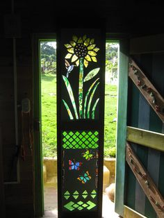 Puerta en madera combinada con vitral