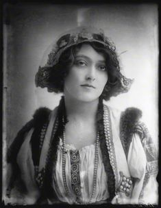 Dorma Leigh - (1890- ?)American stage and film actress. Portrait by Alexander Bassano, 1912.