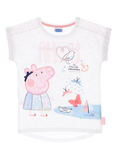 This cute white t-shirt is a must-have for any little Peppa Pig fan. Soft and comfortable, this lightweight top features short rolled sleeves and a fun print across the front. Girls white Peppa Pig t-shirt Short sleeves Round neck ss16