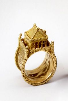 German Jewish Wedding ring- 17th c I love Jewish wedding rings. It's so sweet and beautiful. A promise of a home that can never be taken away.