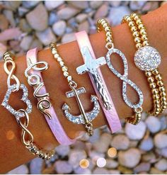 Infinity Love Arm Candy დ