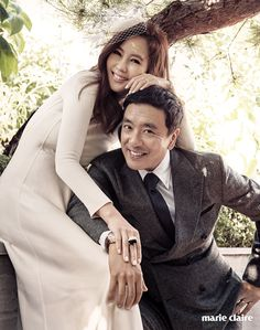 The celebrity couple reenacted a wedding photoshoot in their home in the Gangnam district of Seoul. Celebrity couple Kim Nam Joo and Kim Seung Woo celebrated their ten year anniversary in the December issue of Marie Claire. Wedding Photoshoot, Wedding Pics, Couple Photography, Wedding Photography, Wedding Picture Poses, Star Wedding, Asian Celebrities, Fashion Couple, Club Style