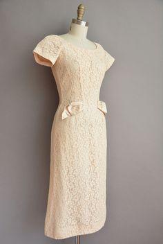 des années 50 crème robe vintage wiggle par simplicityisbliss …