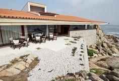 Evento Open House nasce no Porto em julho - Observador Portugal, Cabin, House Styles, Outdoor Decor, Beautiful, Design, Home Decor, Porto, Places
