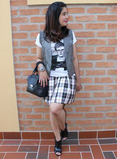 Saia xadrez. Tartan skirt and grey vest.  http://www.elropero.com/2014/10/fashion-set-saia-xadrez-colete-de-couro.html