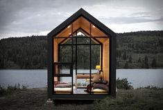 'plug and play' prefab cabin by drop structures can be installed without a building permit Tiny House Cabin, Tiny House Design, Cabin Design, Glass Cabin, Glass House, Prefab Buildings, Prefab Houses, Cob Houses, Modular Homes