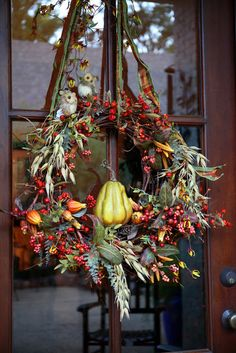 ۞ Welcoming Wreaths ۞ DIY home decor wreath ideas - Southern Lagniappe: A Touch of Fall Autumn Wreaths, Christmas Wreaths, Thanksgiving Decorations, Holiday Decor, Halloween Decorations, Fall Harvest, Harvest Farm, Autumn Home, Autumn Garden