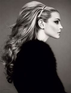 I'd love to know how to make that much volume at the back/ My hair is so flat at the back/top.