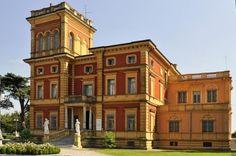 Villa Bisighini, Carbonara di Po Color Box, Multi Story Building, Villa, Public, Mansions, House Styles, Places, Boxing, Italia