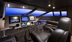 Náutica. Como si se tratase de la cabina de una nave espacial... así es el cuadro de manos del yate de lujo Ferretti 800.