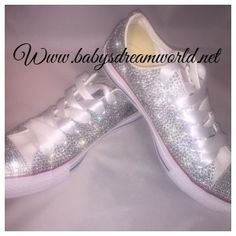 c5f89b7784e13a33f105689c60ec587b24791f1ea11b5321a99f556b246d32f3_full Designer Baby Shoes, Crystal Shoes, Beautiful Babies, Luxury Lifestyle, Christening, Baby Items, Swarovski Crystals, Little Girls, Fashion Inspiration