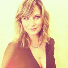 Another picture of Jennifer Nettles at GMA. One picture for awhile.