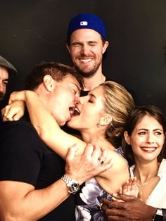 #Arrow  Paul Blackthorne(Quentin),Jack Barrowman(Malcolm),Stephen Amell(Oliver),Emily Bett Rickards(Felicity) & Willa Holland(Thea)
