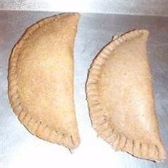 Empanadas (Just use the filling recipe because the dough wasn't that good) Baked Empanadas, Empanadas Recipe, Cheese Fruit, Fruit Preserves, Vegetable Puree, Ober Und Unterhitze, Vegetarian Cheese, Mexican Food Recipes, Gastronomia