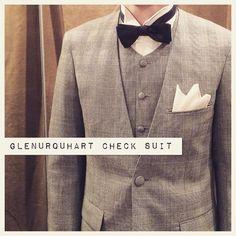 suit:グレンチェック shirt:白ウイングカラー bowtie:ネイビーコットンサテン  #新郎#カジュアルウエディング