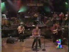 KC and the Sunshine Band Shake your Booty (live 1980) - youtube