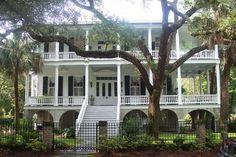 Lovely plantation home in downtown historic Beaufort, SC... white & black