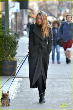 amber heard machete kills dvd released in january 01 Amber Heard stays warm in a chic trenchcoat while walking her pet pooch Pistol on Monday (December 16) in New York City's East Village.    Last week, the 27-year-old…