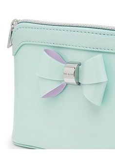 Harloe Layered bow wash bag