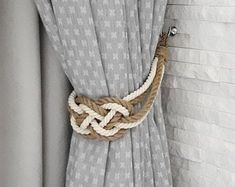 Curtain Tie backs Nautical Decor Carrick Bend Knot Jute Etsy Curtain Tie Backs Diy, Rope Curtain Tie Back, Curtain Ties, Dark Curtains, Types Of Curtains, Outdoor Curtains, Nautical Curtains, Rope Decor, Wine Rack Wall