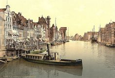Gdańsk na starej pocztówce z Motławą / Gdansk on an old #postcard with #Motlava River in the foreground