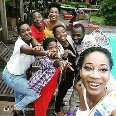 [ #misscameroun2015 ] @jessica_ngoua Fin de ma journée de travail à Akwa  Palace pour le magazine 'Douala C'koment'. Regardez les personnes derrière moi Ma #Team pour la journée De gros joueurs Nous nous sommes amusés comme des malades. Vanessa  Elise Zainabou Xavier Moukoury and Armelle of #DCK Team merci infiniment pour la bonne humeur...Makeup @avannssey_for_lsa  Hair @lesbidouillesdunenappy  Dressed by @unik_yde  Shoot by @xmphotographie who is cooking something for You.  Et vous comment…