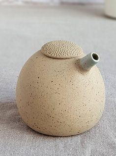 Oil and vinegar set Ceramic olive oil dispenser oil and Slab Pottery, Ceramic Pottery, Ceramic Art, Pottery Pots, Thrown Pottery, Ceramic Bowls, Olive Oil Dispenser, Wedding Bottles, Wedding Favors