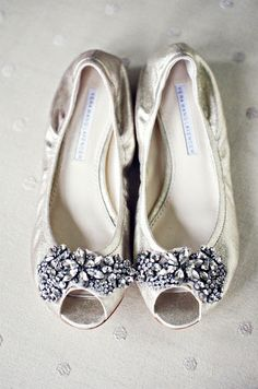 Oh my gosh! I will probably want to wear flats for my wedding but I have never found any I LOVE!