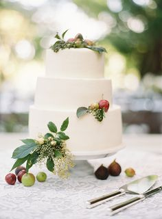 fig + apple decorated wedding cake