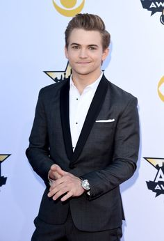 Pin for Later: Seht Taylor Swift, Nick Jonas und alle anderen Stars bei den ACM Awards Hunter Hayes