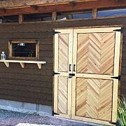 玄関 入り口 扉 ヘリンボーン ドア バイクガレージ などのインテリア