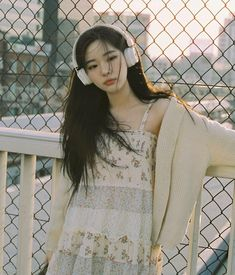 Aesthetic People, Aesthetic Girl, Aesthetic Clothes, Pretty People, Beautiful People, Best Photo Poses, Poses References, Kawaii Fashion, Beautiful Asian Girls